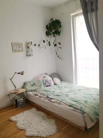 Schlafzimmer/bedroom