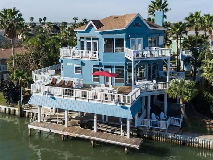 Endless Activities on the JB Bay! Hot Tub Kayak Paddle Board Outdoor Bar!