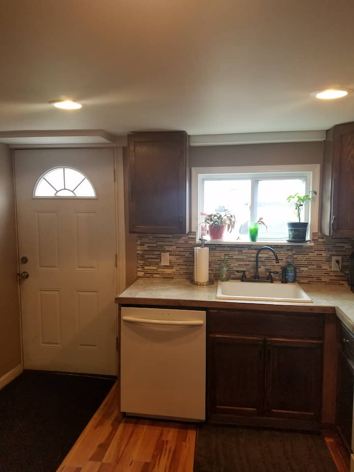 Philly row home in-law suite with private entrance