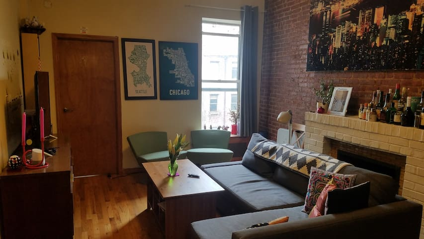 Delightful Room in Prime UWS W 70s by Central Park