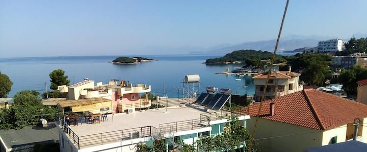 Private studio 4 persons,terrace,amazing view
