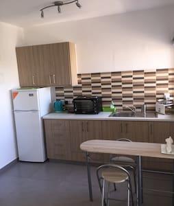 Mikis Budget Studio - Castella Beach - Larnaca - Apartment
