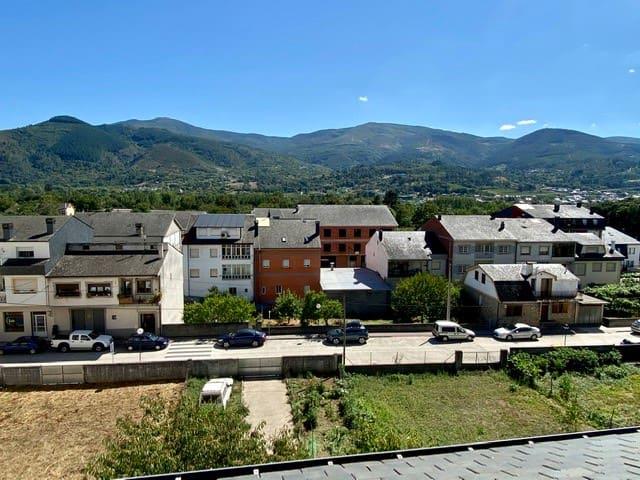 Piso céntrico en Quiroga, con vistas O Caurel
