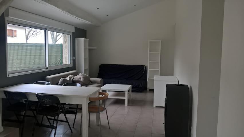 Jolie petite maison T3 de plein-pieds - Oytier-Saint-Oblas - Talo