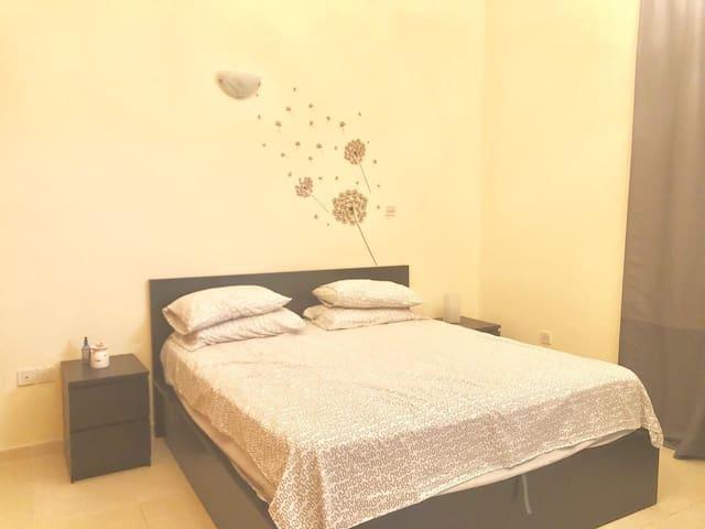Private Room in Mirdif Villa near MCC