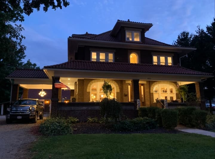 Huge historic home. Fully renovated.