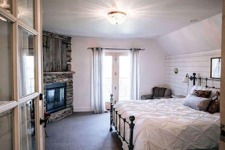 Granary King Luxury Suite
