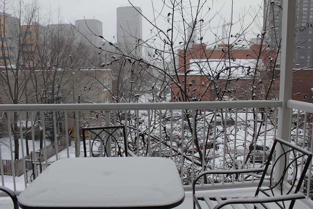 Terrasse (hiver)/ Balcony (winter)