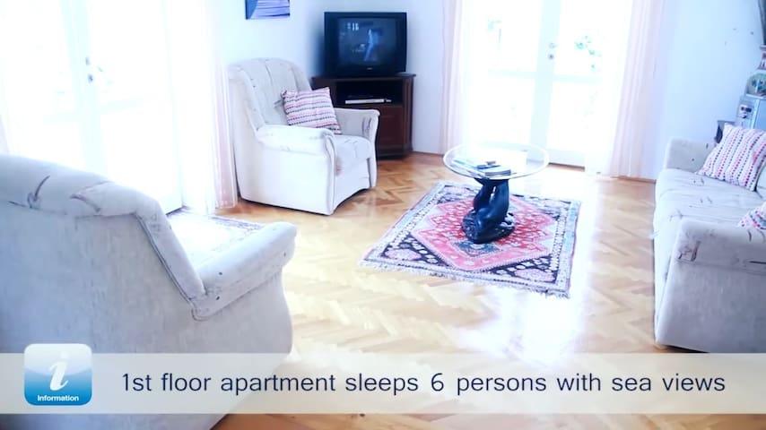 Apartment With Beautiful Sea Views - Supetar - House
