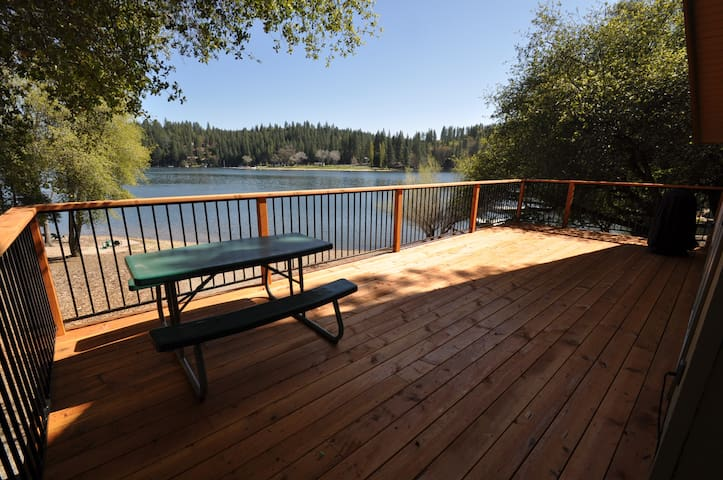 Mountain Lakeside Retreat: Lakefront WIFI Slps6-8 - Groveland - House