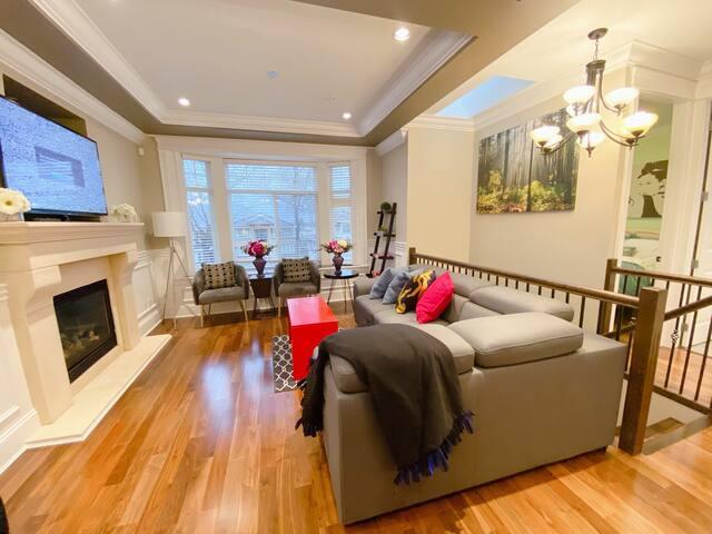 Modern 3 Bdrms home, clean,convenient location