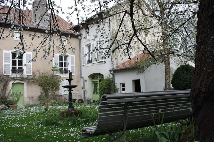 Grande maison de caractère entre nature et ville - Ancy-sur-Moselle - Haus
