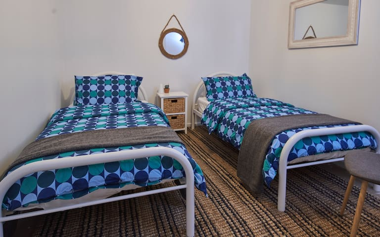 Bedroom 3, two single beds.