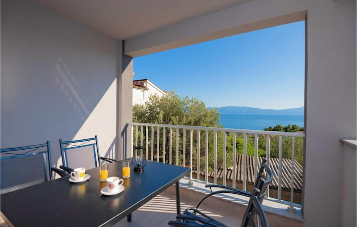 Awesome apartment in Podaca with WiFi and 2 Bedrooms