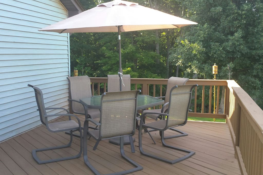 Outdoor seating for your cookouts!