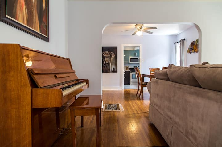 Beautiful Newly Remodeled Home Close to Everything