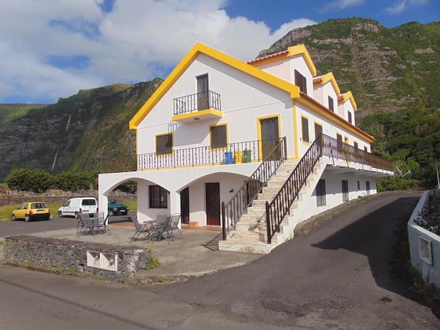 Casa da Sogra - House on the 1st floor with 3 bedrooms and direct access from outside