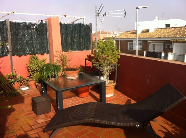 CASA EN ALQUILER 10 KM DE SEVILLA - Valencina de la Concepción