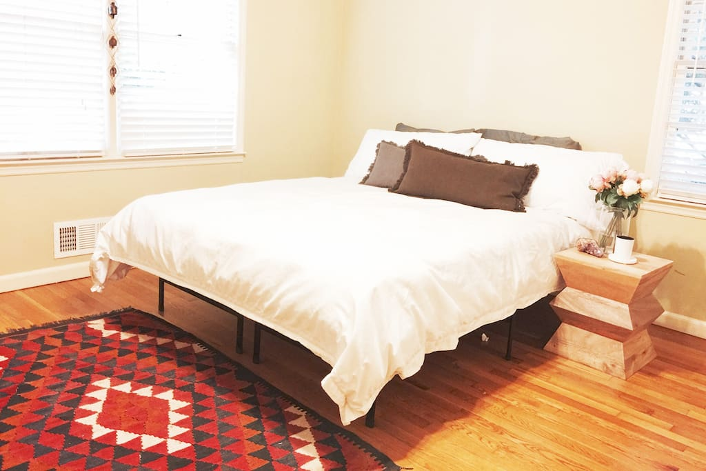 Enjoy the Queen bed in the Private bedroom with beautiful sunlight coming in. Full open double door closet with hangers, towels and a full length mirror.
