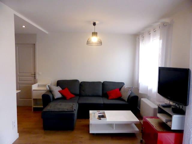 Moderne appartement grand 2 pièces-  parking
