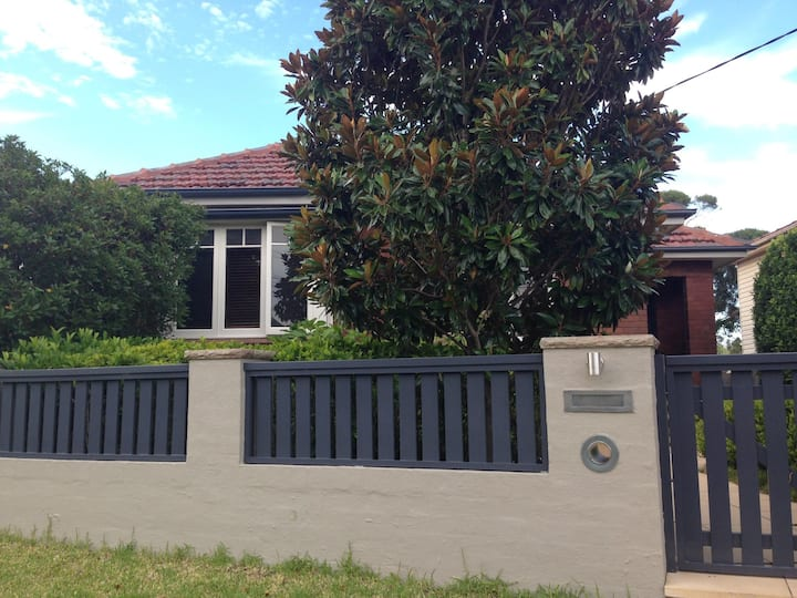 Manly Vale - Bright & airy home close to beaches