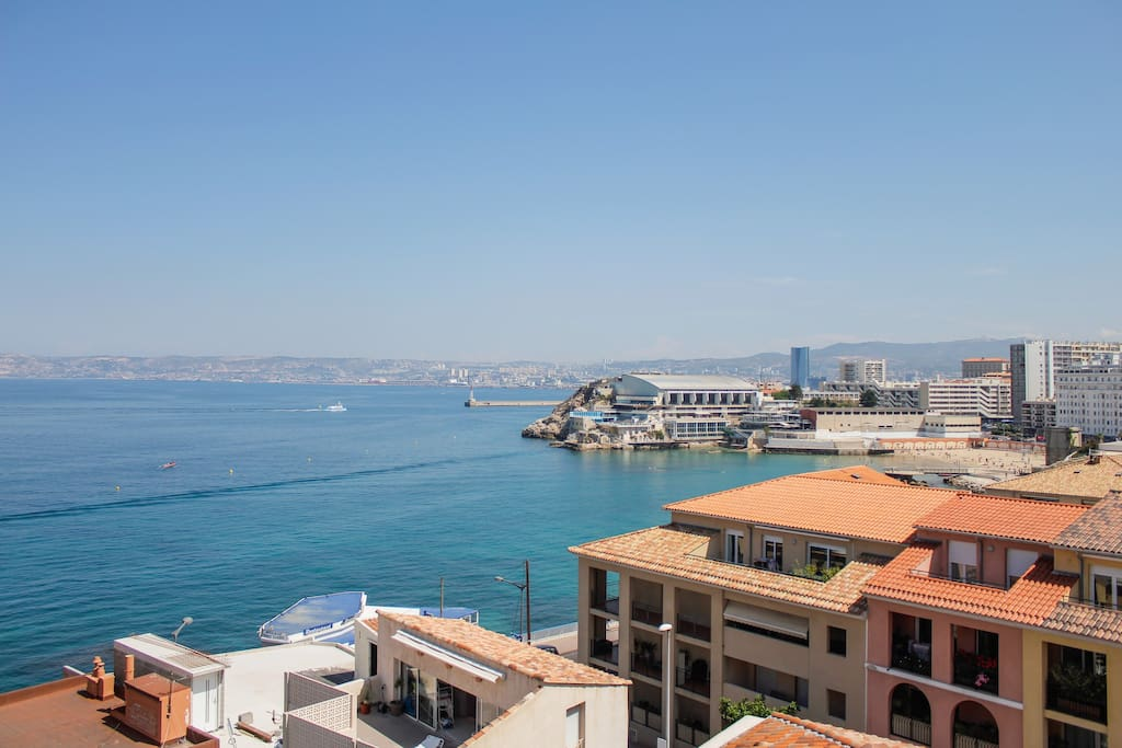 Appartement toit terrasse vue mer marseille appartements for Location appartement marseille terrasse