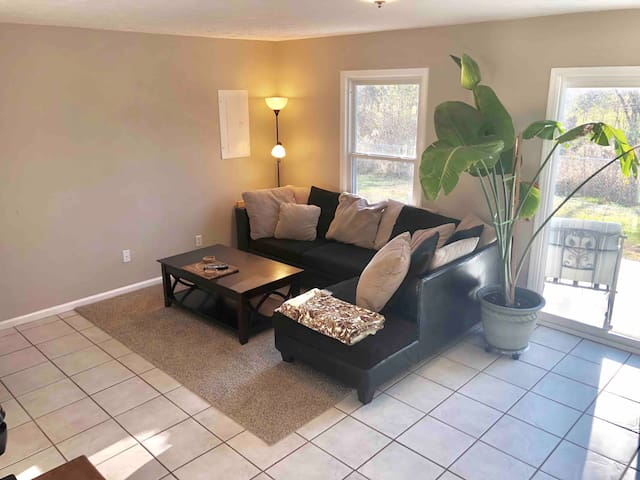 Spacious garden suite with private entrance