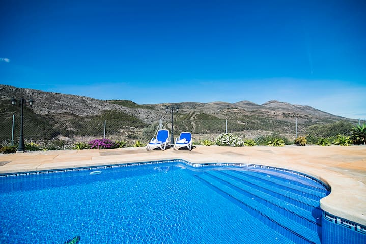 Relaxing holiday in countryside, at 6km from Calpe - Alicante - Villa