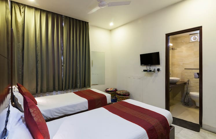Luxury Budget Rooms inside pink City (walled city)