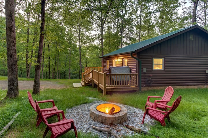 ★Nestled Inn★Pet-Friendly | Hot Tub| Close To Town