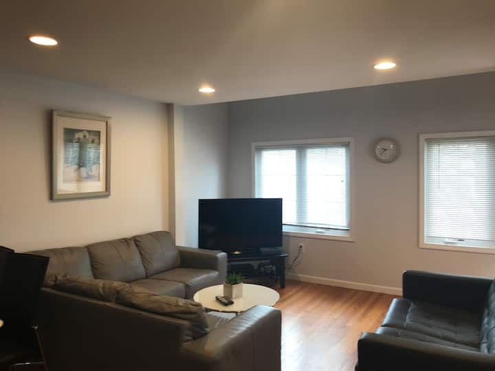 Luxury 2bedroom with loft/ 2 bath