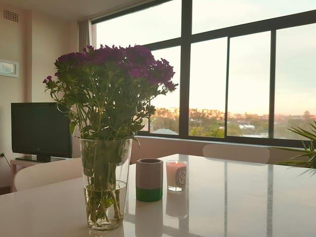 Light and bright N. Bondi apartment with a view - North Bondi - Pis