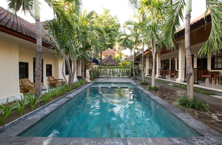 Sari Indah Cottages ( Family Room )