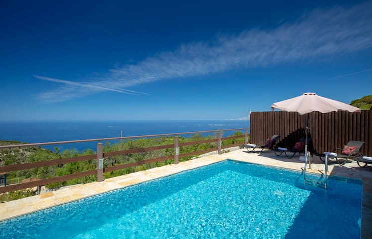 Family Villa Terina near The Island's Beautiful Beaches with private pool!