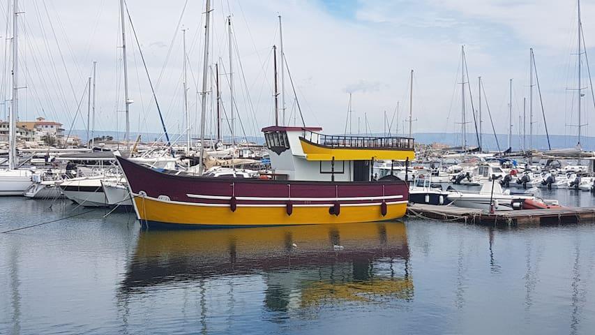 """Pillirina"" House boat - Marzamemi"