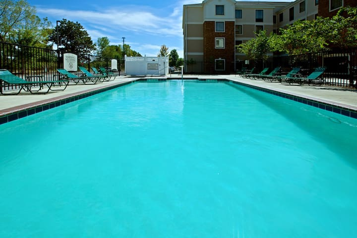 Free Breakfast +  Outdoor Pool + Hot Tub | 24 Hour Fitness Center