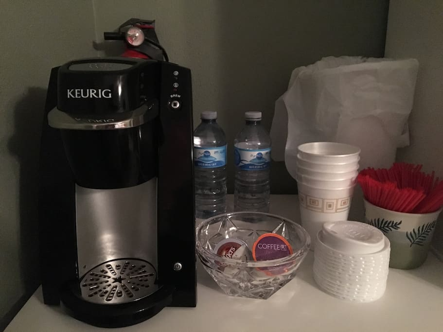 Singleserve Keurig coffee machine with choice of regular coffee, decaffeinated coffee or flavored coffee. Also have a coffee station with several flavors of creamer, several flavors of sugar topping and a selection of sugar, Stevia or Splenda.