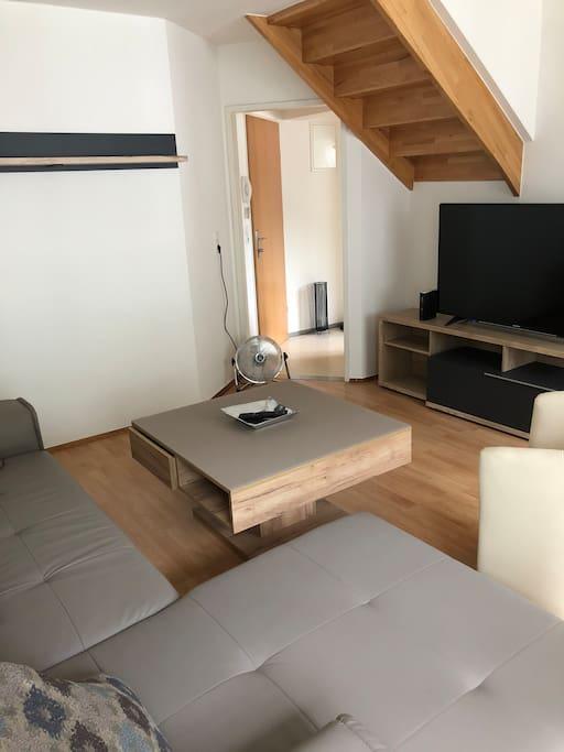 Wohnzimmer mit TV+WiFi