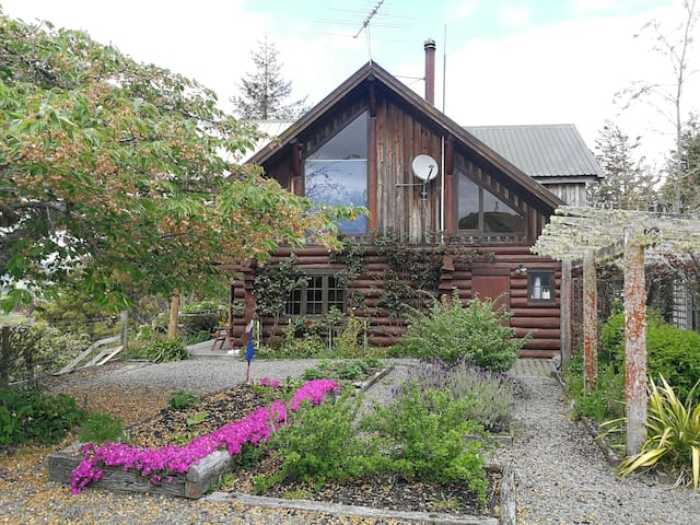 Ruapehu Log Lodge