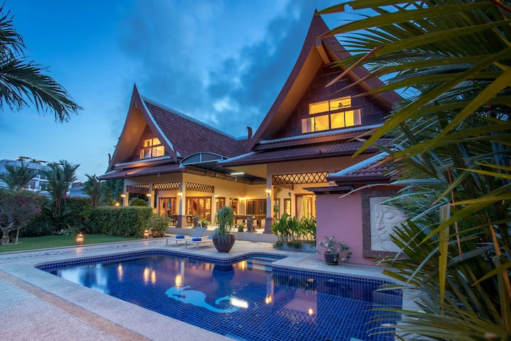 Blissful 5-bedroom Pool Villa, great Outdoors