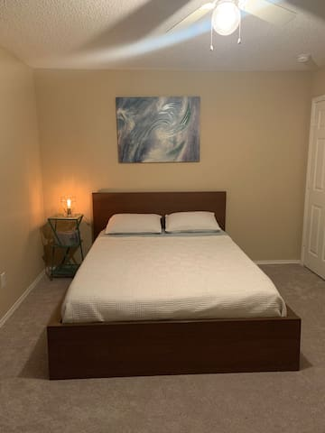 Private Room 15 mins from Dallas Experiences!
