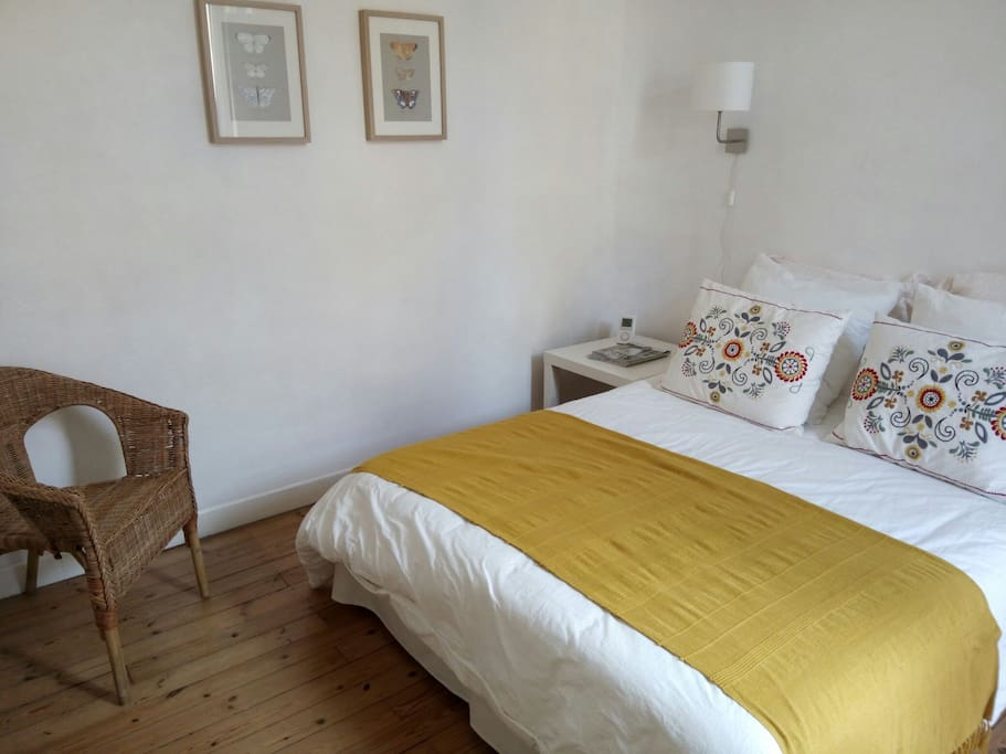Chambre d 39 hote de charme priv e bed breakfasts for for Chambre d hote carcassonne