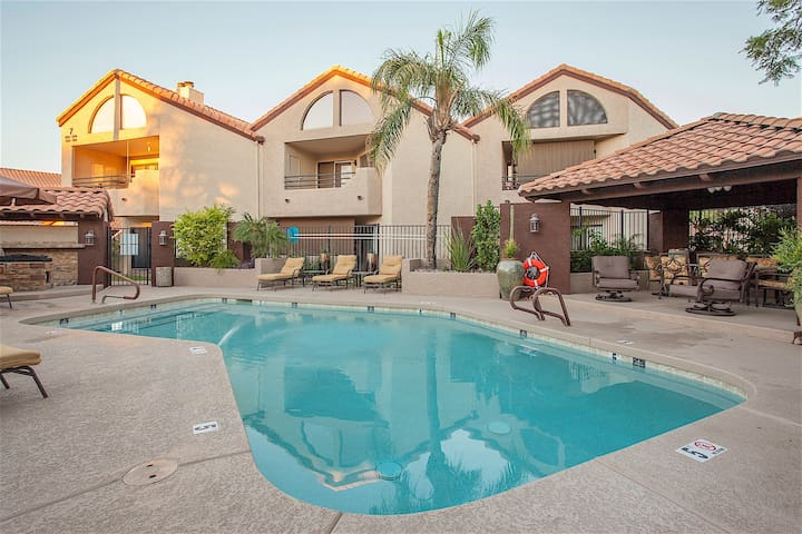 WINTER OFFER @ Happy Ours Gorgeous 2 BR Condo/ COM Pool/ Paradise Valley