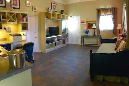 Super-Cozy Apartment Near It All - Nasau - Pis