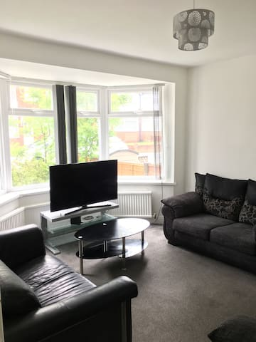 Large 4 bedroom house near city centre