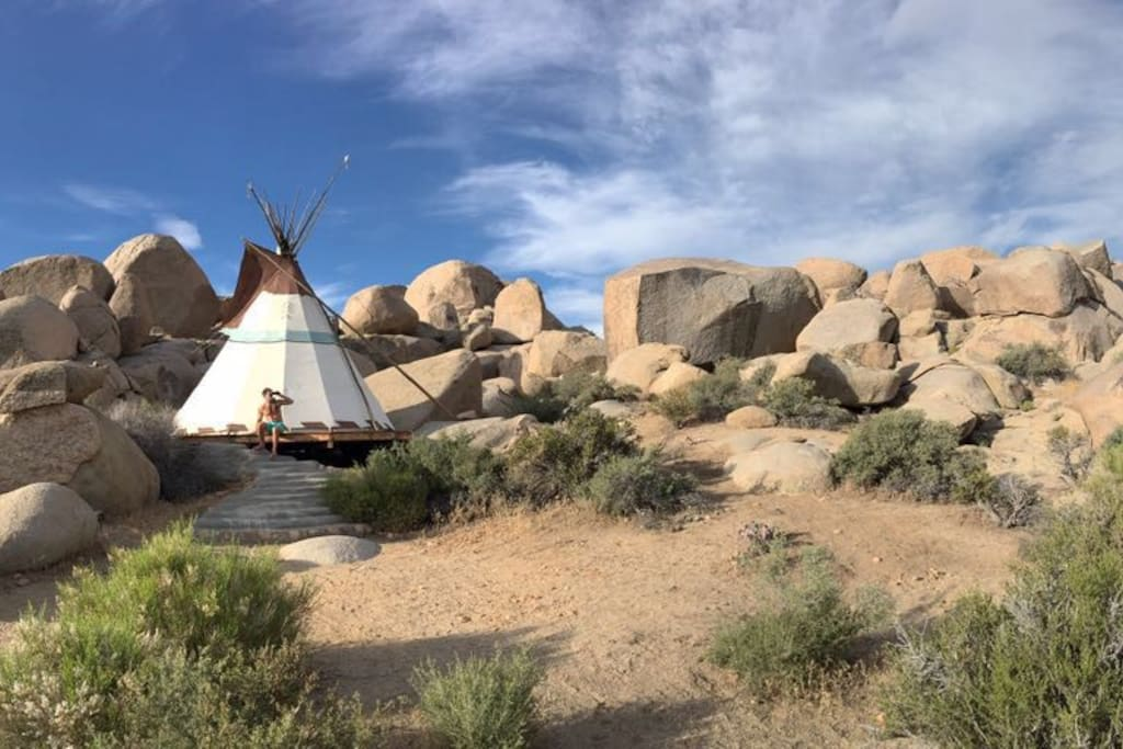 Unlimited exploration around the large property. Property is perfect for hiking, relaxing, meditation and mimics Joshua Tree National Park.