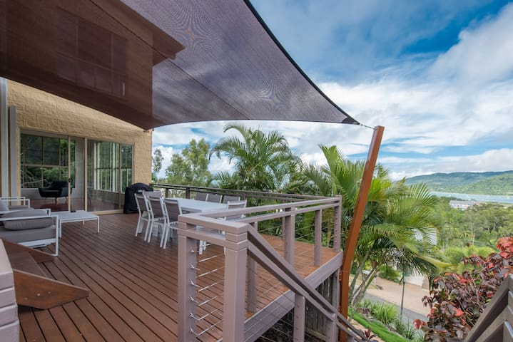 The Power House - Airlie Beach *Sleeps up to 10* - Airlie Beach - Hus