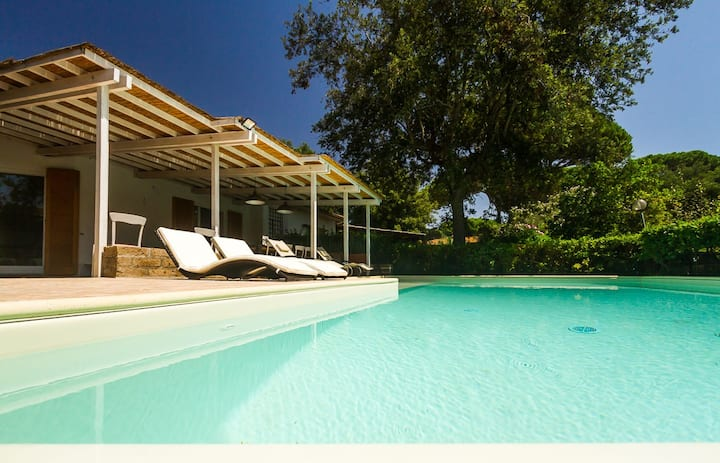 luxury villa with pool & garden in Punta Ala