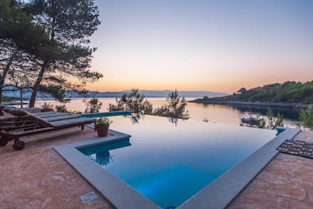 "HVAR, Villa ""Aqua"" with infinity pool & sea view - Basina, Hvar - Villa"