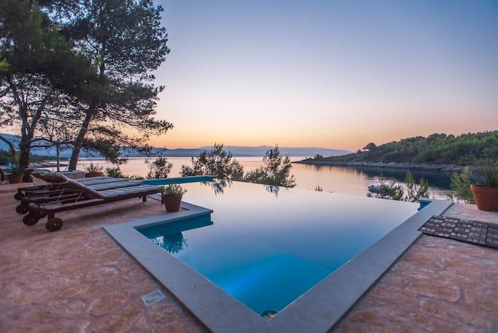 "HVAR, Villa ""Aqua"" with infinity pool & sea view"